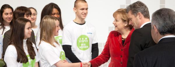 Bundeskanzlerin Merkel gratuliert Talentmobil